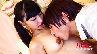 Japanese Teen SAMPLE125